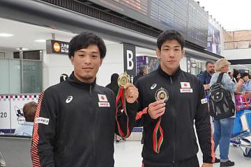 金メダルの太田忍(左)と銀メダルの屋比久翔平(右=ともにALSOK)