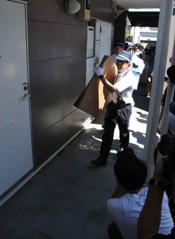青葉容疑者の自宅で行われた捜索活動(さいたま市)