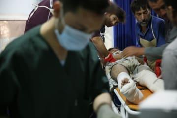 アフガンでバスが地雷に接触 34人死亡