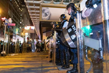Riot police in Mong Kok on July 7. Photo: May James.