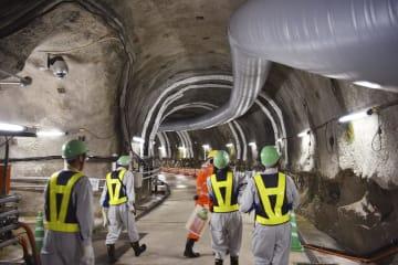 瑞浪超深地層研究所が核のごみの地層処分に関する研究を進めている地下坑道=6月、岐阜県瑞浪市