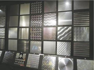 金属板の表面を特殊加工した同社の製品
