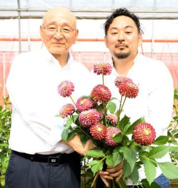 東京五輪・パラリンピックに向け「メダリスト」をPRする宮田町長(左)、遠藤社長