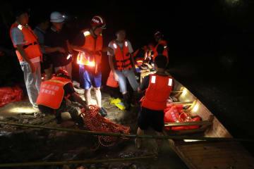 湖北省鶴峰県で山津波発生 9人死亡、4人行方不明