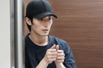 連続ドラマ「TWO WEEKS」第4話のワンシーン=カンテレ提供