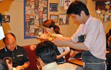 青森県産食材を使った料理や八戸ワインを提供した東京・築地の「ピグレット」