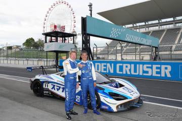 テストに参加したミカ・ハッキネンとドライバー兼オーナーの久保田克昭