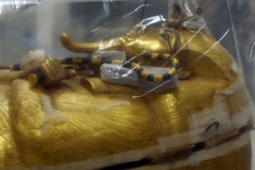 ツタンカーメン王のひつぎ、初の修復作業へ