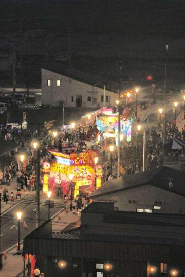 豪華な山車が中心市街地を練り歩いた高田町の「うごく七夕」