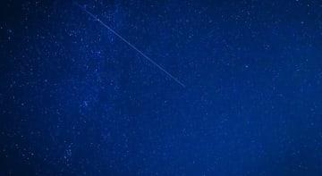 欧州で観測されたペルセウス座流星群。