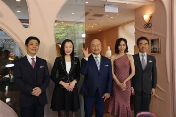 Japanese jewelry brand K.uno's President Masahiko Kuno (C) attends a ceremony to launch the company's first overseas shop in downtown Taipei on Aug. 6, 2019.