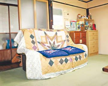 80代男性患者への蘇生処置を中止した部屋。当時は正面のソファの位置に男性のベッドがあった(画像の一部を加工しています)