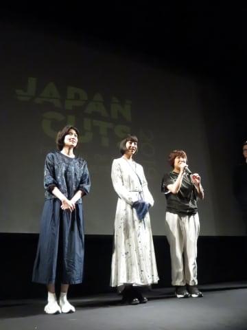 最終日の舞台挨拶。左からシム・ウンギョン、夏帆、箱田監督(Photo: Kaoru Komi)