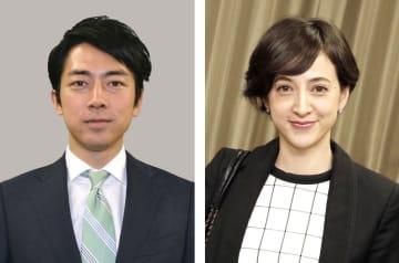 自民党の小泉進次郎衆院議員(左)、滝川クリステルさん