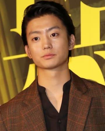 映画「惡の華」の完成披露舞台あいさつに登場した伊藤健太郎さん