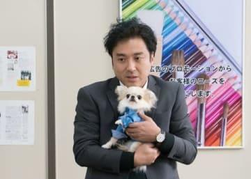 ムロツヨシさんと古田新太さんがダブル主演を務める連続ドラマ「Iターン」第5話の1シーン(C)「Iターン」製作委員会