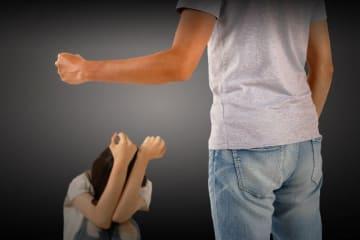 交際相手に暴力を振るった息子をかくまったが…(写真はイメージ)