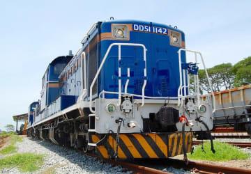 タイに譲渡されたディーゼル機関車「DD51」=7月、タイのラチャブリ県(共同)