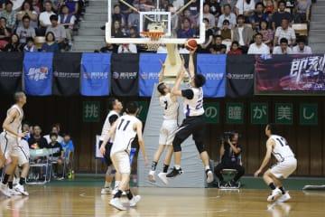 中国の高校生バスケチーム「籃板青春」、日本の秋田県立能代工業高校に勝利