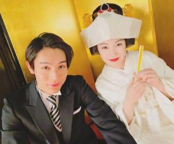 中川大志さんが公開したNHK連続テレビ小説「なつぞら」の結婚式オフショット