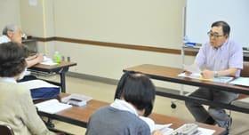 室蘭民報文芸賞佳作賞の柏木直さんを講師に行われた文章教室