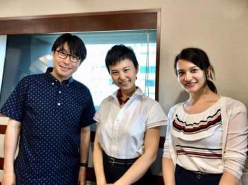 (左から)鈴村健一、しみずみえさん、ハードキャッスル エリザベス