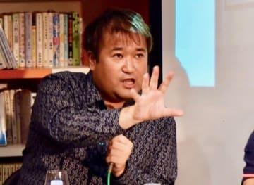 Ryosuke Kamba / BuzzFeed 東浩紀さん=2017年
