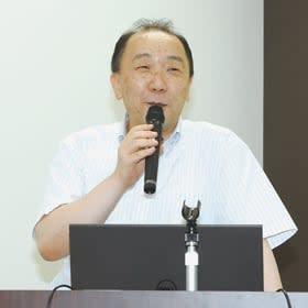 認知症の症状や予防法などについて語る森田院長