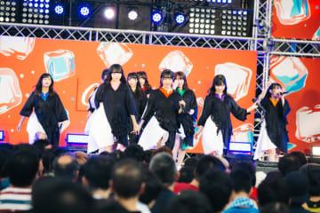 monogatari[ライブレポート]若さ溢れる圧巻の群舞が生んだ強烈なる熱狂|六本木アイドルフェスティバル2019