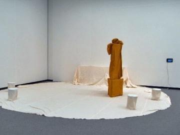 「表現の不自由展・その後」の会場に設置した白川さんの作品=7月24日、白川さん提供