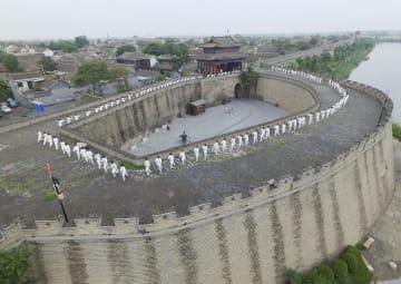 夏休みに太極拳を楽しむ 河北省邯鄲市