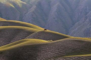 カラジュン草原を訪ねて 新疆ウイグル自治区