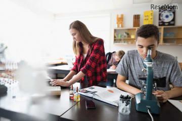 レノボ、テクノロジーが日常生活と社会に与えるインパクトについて 国際的な意識調査を実施 イメージ