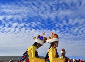チベット自治区アムド県の伝統的「アンテナ帽」