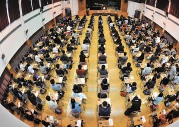 Students taking the Hong Kong Diploma of Secondary Education Examination (DSE). Photo: HKEAA.