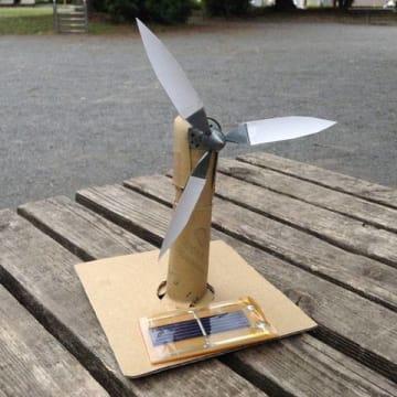 ソーラー工作ワークショップ 廃品材料を使ってソーラーで動く風車を作ろう!