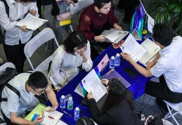 新卒の就職内定率約9割 上海の雇用安定