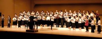 一般公募の参加者と団員が共演した5月の定期演奏会