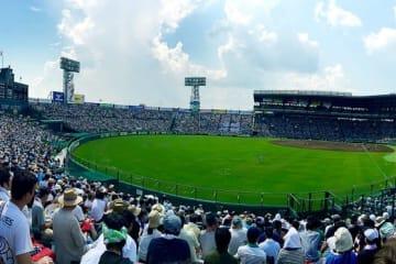 第3試合は明石商業が宇部鴻城を相手に延長10回サヨナラ勝利