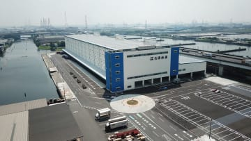 来月から全面稼働する名港海運の西二区物流センター南1号(愛知県飛島村)