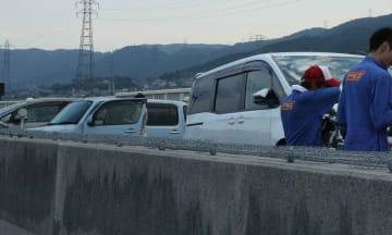 衝突した乗用車(8月16日午後5時31分、大津市坂本7丁目)