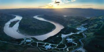 壮麗な黄河「乾坤湾」の姿