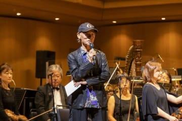 「劇場版『機動戦士ガンダム』シネマ・コンサート」に登場した富野由悠季監督(C)創通・サンライズ