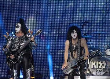 Kiss On Tour