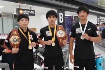 メダル獲得選手。左から阿部敏弥、山口海輝、基山仁太郎