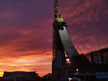 中国の支援で建設急ピッチ カンボジア国立競技場