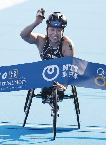 女子(車いす)で優勝した土田和歌子=お台場海浜公園