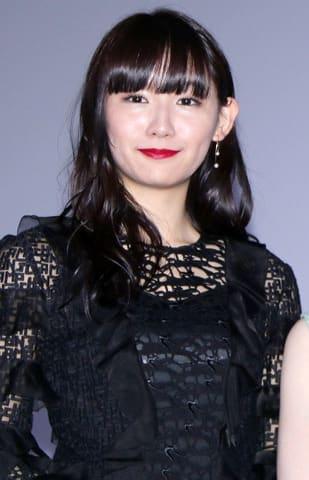 ホラー映画「黒い乙女 A」の公開記念舞台あいさつに登場した浅川梨奈さん