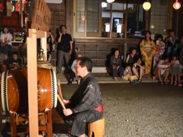 【熊野市指定無形民俗文化財のジャジャツク=熊野市飛鳥町神山の光福寺で】