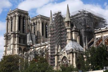 再建中の仏ノートルダム大聖堂